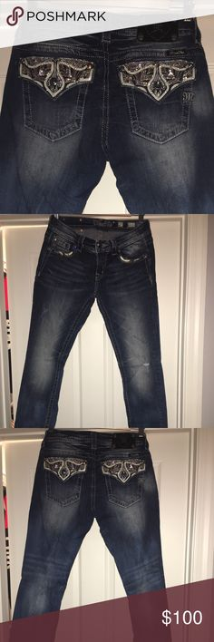 Miss Me Jeans Mid Rise Easy Skinny Jeans 27/33 Buckle Miss Me Mid Rise Skinny Jeans. Size 27/33. Excellent condition. Worn a few times. Looks like brand new! Miss Me Jeans Skinny