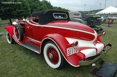 1932 Auburn 8-100 Vintage Cars, Antique Cars, Auburn Car, American Classic Cars, Classy Cars, Exotic Cars, Motor Car, Cars And Motorcycles, Cool Cars