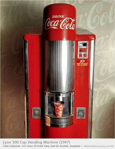 The Lyon 500 vended 500 cups of Coca-Cola and dates from 1947 to The machine was generally used at high end locations such as movie theaters. first movie I went to, urban cowboy. This is how I coke was dispensed. Mountain Dew, Ginger Ale, Soda Machines, Vending Machines, Juke Box, Coca Cola Vintage, Coca Cola Decor, Coke Machine, Root Beer