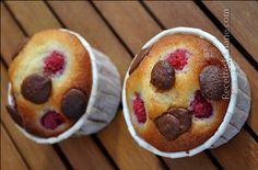 De retour après quelques jours de vacances ensoleillées, j'en profite pour souhaiter avec un peu de retard une bonne fête de l'aid à tous mes lecteurs concernés ;) Aujourd'hui je vous propose une recette de muffins moelleux aux framboises et au chocolat,...