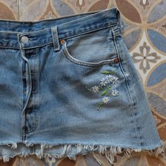 Stunning summer skirt reworked, restitched and recycled. Embroidery On Clothes, Cute Embroidery, Embroidered Clothes, Embroidery On Denim, Skirt Embroidery, Diy Embroidered Jeans, Diy Jeans, Levis Jeans, Diy Clothing