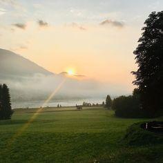 Guten Morgen Weißensee... you stole my heart🍃🏔🌄 . Nach dem quirligen Italien, ist Weißensee/Techendorf in Kärnten so eine traumhaft schöne Idylle🍃😍 die ich euch nicht vorenthalten möchte und unbedingt zu empfehlen ist, für einen Urlaub mit dem Camper oder auch im Hotel/Pension. . Es gibt unzählige Radwege,% Holiday Monday, Camper, Country Roads, Celestial, Sunset, Outdoor, Bike Trails, Campsite, Explore