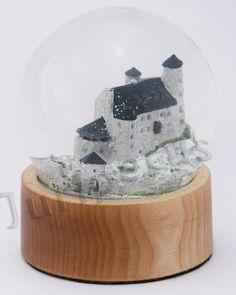 Szklana kula, miniatura zamku  w Bobolicach, Jura krakowsko - częstochowska Snow Globes, Home Decor, Decoration Home, Room Decor, Home Interior Design, Home Decoration, Interior Design