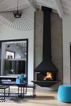 foyer suspendu po le bois suspendu chemin e centrale murale suspendue id e maison. Black Bedroom Furniture Sets. Home Design Ideas