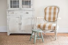 a curvy chair gets a makeover...