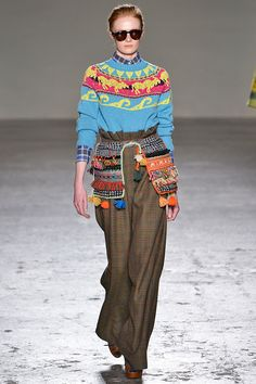 The return of the paper-bag waist.Stella Jean's fall '15 show featured all kinds of delightfully folksy handicraft details. But, our favorite piece had to be these jumbo-leg, Glen plaid trousers with a cinched paper-bag waist. This is a divisive look, to be sure, but we — and the Gap girls — love.