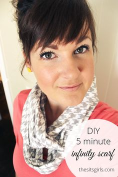 Looking for 5 minute craft ideas? This DIY Infinity Scarf is perfect! It only takes 5 minutes to make and it is the perfect accent for your spring wardrobe.