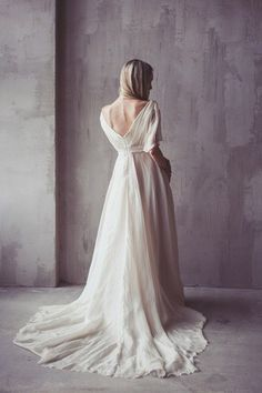 #barebackweddingdress #weddingdress #wedding #barebackdresses #white #longweddingdresses #weddingdresses