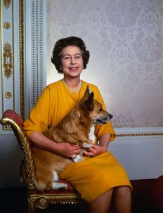 The Queen and her corgi - 1985