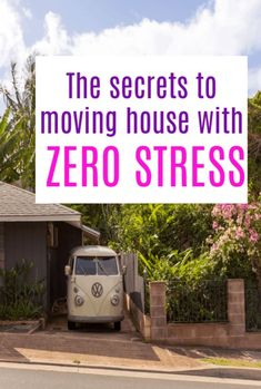 5 secrets to moving house with NO stress - moving home can be done hassle-free if you are prepared with packing lists, a great checklist and these fabulous tips to help you figure out what needs to be done! Moving Home, Moving Tips, Good Parenting, Parenting Hacks, What Is The Secret, Family Budget, Beautiful Interiors, Healthy Kids, Event Decor