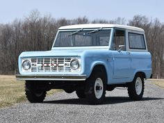 engine with mild cam Column-shift manual transmission; four-wheel drive Professional body-off restoration Correct paint and interior. Classic Bronco, Classic Cars, Ford America, Ford Bronco For Sale, Auctions America, Bronco Sports, Early Bronco, Chrysler Imperial, Lifted Ford