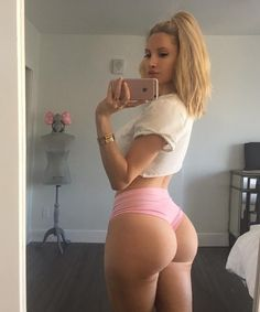 Amanda Lee TheFappening and Sexy Photos) Amanda Lee, Babe, Fitness Models, Fit Girl Motivation, Exercise Motivation, Booty Goals, Sexy Shorts, Instagram Models, Lingerie Models