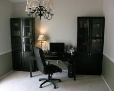 Erik previously gave us a discreet computer cabinet. He does it again with this handsome all black set-up. And what's a flavasoft