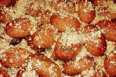 Μελομακάρονα Ειρήνης, υπέροχα με μελένια γεύση - Cook Bake Γιορτινά Pretzel Bites, Pepperoni, Pizza, Bread, Baking, Recipes, Food, Brot, Bakken