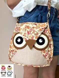Borwnie: Flip Bag Owl Bag flower messenger bag by iammieCozyShop Fabric Bags, Felt Fabric, Sewing Hacks, Sewing Projects, Owl Cushion, Felt Owls, Owl Crafts, Funny Tattoos, Wedding Tattoos