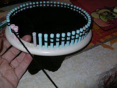 Les diminutions Loom Knitting, Dog Bowls, Blog, Tenerife, Inspiration, Crossstitch, Fabrics, Weaving