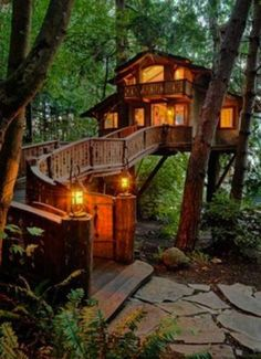 Awesome Treehouse Masters Design Ideas Will Make Dream 27 masters design 46 Awesome Treehouse Masters Design Ideas Will Make Dream Beautiful Tree Houses, Cool Tree Houses, Beautiful Homes, Beautiful Places, House Beautiful, Beautiful Beautiful, Amazing Houses, Amazing Tree House, Diy Tree House
