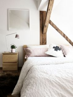 12 small space bedroom ideas: the decorating dozen. / sfgirlbybay, bed side drawer to hide stuff and keep tidy Home Decor Bedroom, Modern Bedroom, Living Room Decor, Bathroom Modern, Kitchen Modern, Serene Bedroom, Living Rooms, Bedroom Ideas, Small Space Bedroom