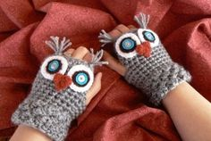 Crochet Owl Fingerless Gloves Wrist Warmers with Teal felt, Vintage button Eyes and Soft Heather Gray Acrylic Yarn by mai