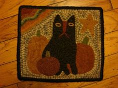 This rug was fun to hook, I drew this one up myself, I absolutely the the textured piece of wool that I used for my background. I hooked this in I am loving that cut! Halloween Applique, Halloween Cross Stitches, Spirit Halloween, Fall Halloween, Hook Punch, Rug Hooking Designs, Punch Needle Patterns, Primitive Fall, Hand Hooked Rugs