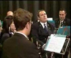 #Málaga   Pasodoble Agárrate Saxo interpretado por la Banda Municipal de Música de Vélez-Málaga, en el programa de VTV Axarquía, La Vida por delante, en homenaje a tan larga trayectoria. #LaMusa #Saxo
