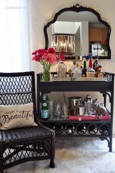 6 Easy And Cheap Ideas: Gold Floor Vases clay vases decoration.Flower Vases Still Life carved wooden vases.Vases Interior Home Decor. Diy Bar Cart, Gold Bar Cart, Bar Cart Styling, Bar Cart Decor, Bar Carts, Design Studio, House Design, Bar Cart Essentials, Gold Wall