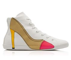 CARLA FLAT 34 -Scarpa sportiva alla caviglia in canvas di cotone e suola in gomma. Sul lato esterno la stampa della silhouette di una decolletè borchiata. #olofashion #sneakers #shoes