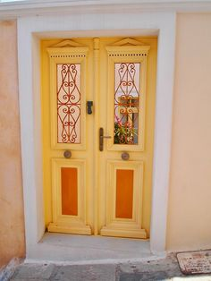 Pretty yellow door - Oia, Santorini,Greece