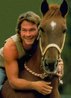 Patrick Swayze, forever in my memories, like this.dirty dancing will always be my favorite Beautiful Horses, Beautiful Men, Beautiful People, Beautiful Person, Dirty Dancing, Lisa Niemi, The Lone Ranger, Famous Faces, Movie Stars