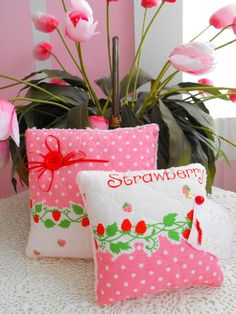 Vintage Strawberry Quilted Quilt Spring Set Of by thepinkpalace, $35.00