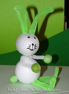 Bricolage de Pâques facile : un oeuf devient lapin de Pâques Bunny Crafts, Cute Crafts, Creative Crafts, Easy Crafts, Diy And Crafts, Easter Art, Easter Crafts For Kids, Easter Bunny, Diy Easter Decorations