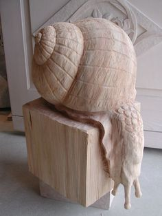 This is how I feel on a Thursday   Sakrale Holzbildhauer-Arbeiten  #snail #sculpture