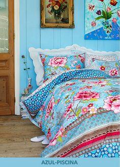 Bed of Flowers Pip studio Summer Bedroom, Home Bedroom, Girls Bedroom, Bedroom Decor, Floral Bedroom, Bedroom Ideas, Pip Studio, Deco Boheme, Beautiful Bedrooms