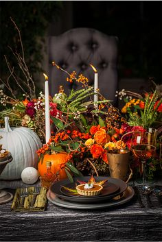 .lush autumn table.