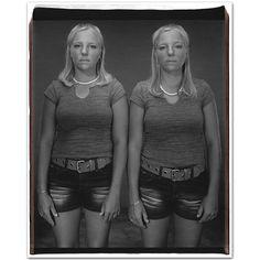 Mary Ellen Mark - Twins - 11