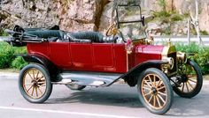 1914 Ford Model T Touring Car .
