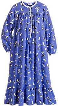 Lanz flannel nightgown Moonlight over VT Disney Clothing For Women, Flannel Nightgown, Pajama Outfits, Cotton Sleepwear, Nightgowns For Women, Fashion Project, Night Gown, Unisex, Ladies Nightwear