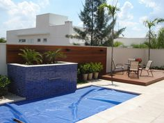 Painel de madeira - deck-piscina
