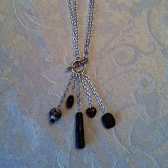 """Black & brown 17"""" necklace w/toggle."""
