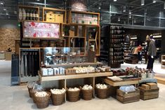 In Store   Los Angeles Gets a Muji Outpost to Call Its Own
