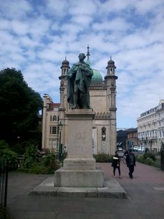 George IV, the former Prince Regent, outside his Pavilion in Brighton. Would you dedicate a book to him? - Jane did so, but reluctantly!