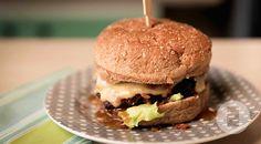 Hamburguer com Bacon e Molho de Whisky do Gastronomismo