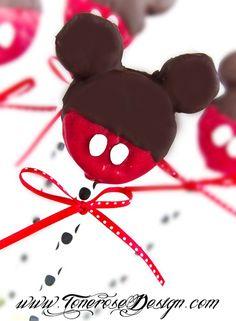 Mickey mouse oreos on a stick =)   DIY hvordan lage oreo-mikke-mus-pinner på bloggen! =)