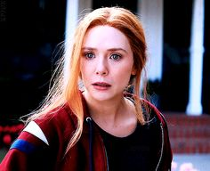Wanda Avengers, Wanda Marvel, Elizabeth Olsen Gif, Elizabeth Olsen Scarlet Witch, Marvel And Dc Characters, Marvel Movies, Superfamily Avengers, Scarlet Witch Marvel, Best Superhero