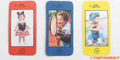 Un biglietto di cartoncino a forma di cellulare con foto: una simpatica idea per la festa della mamma o del papà per bambini della scuola dell'infanzia