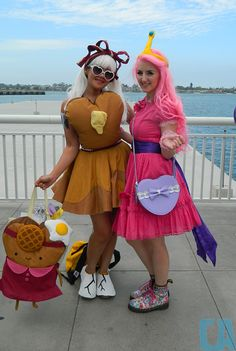Princess Bubblegum and Breakfast Princess - Photo by Betty Felon Epic Cosplay, Awesome Cosplay, Cosplay Ideas, Cool Costumes, Cosplay Costumes, Halloween Cosplay, Halloween Costumes, Princess Bubblegum Cosplay, Breakfast Princess