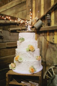 Useful Advice To Get That Wedding Of Your Dreams Wedding Show, Wedding Tips, Dream Wedding, Wedding Cake Rustic, Wedding Cakes, Western Style, Ranch, Southern Weddings, Country Weddings