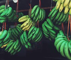 Colorful and delicious  colombian bananas!    Picture by @brauliadiaz  #inspiration #colombia #syouandcolombia #syou #banana #walkwith us