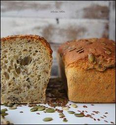 """Przepis na ten chlebek dostałam od znajomej i od tamtego czasu przechodził różne metamorfozy w mojej kuchni :) Ja nazwałam ten chleb """"c... Banana Bread, Food And Drink, Candy, Dinner, Baking, Desserts, Buns, Pizza, Diy"""