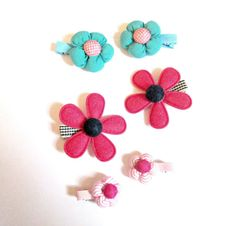 Fabric flower hair clips-flower clips-fabric by colorsplashh Flower Hair Clips, Flowers In Hair, Fabric Flowers, Kids Hair Clips, Baby Headbands, Hair Pins, Bobby Pins, Cloth Flowers, Hairpin